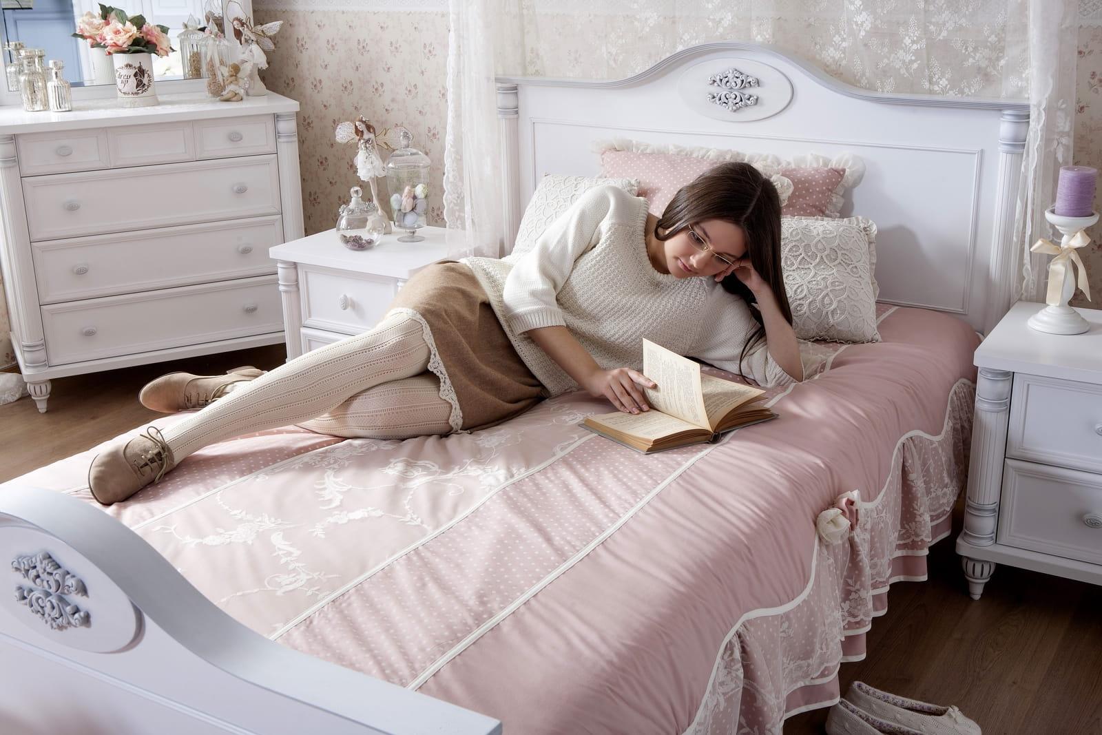 Tienerkamer ikea bed hip huisje deco slaapkamer tiener meisje